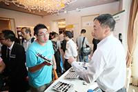 華輝科技群英會 2013 回顧 - 客戶即場與供應商及華輝技術人員進行互動及交流