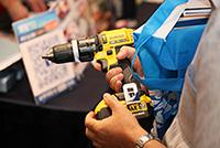 華輝科技群英會 2013 回顧 - 同場向專業技術人員及公司客戶介紹 美國品牌 DEWALT 電動工具